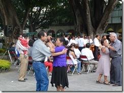 oaxaca 2010 07 05 zocalo bailantes